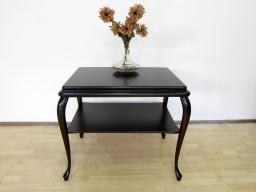 Przedwojenny stolik z ruchomym blatem.